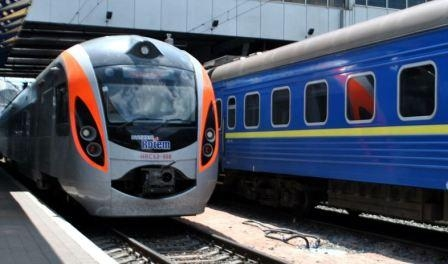 Ukrzaliznytsia plans in 2017, significantly increase the tariffs for transportation