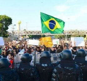 Drivers ' strike could lead to economic and political crisis in Brazil