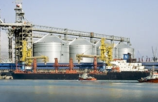 Ukraine has reduced the price of grain transshipment in ports