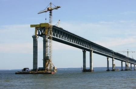 The construction of the Kerch bridge will prevent large vessels from the Azov ports